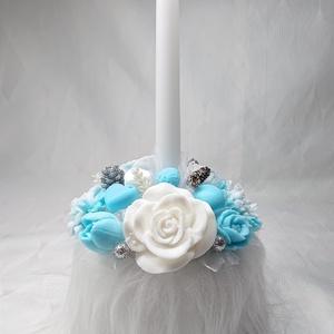 Kék - fehér- ezüst gyertyás, télies illatos szappan csokor szőrmés boxban , Csokor & Virágdísz, Dekoráció, Otthon & Lakás, Virágkötés, Szappankészítés, Mindegyik csokor egyedi tervezésű és kézzel készített.\n\nElegáns szappanvirág dekorációk melyek sokái..., Meska