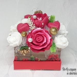 Piros - fehér - arany karácsonyi illatos szappan box, Otthon & Lakás, Dekoráció, Csokor & Virágdísz, Virágkötés, Szappankészítés, Mindegyik csokor egyedi tervezésű és kézzel készített.\nElegáns szappanvirág dekorációk melyek sokáig..., Meska