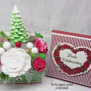 Csillogó karácsonyi illatos szappan csokor fenyőfával, Otthon & Lakás, Dekoráció, Csokor & Virágdísz, Virágkötés, Szappankészítés, Mindegyik csokor egyedi tervezésű és kézzel készített.\n\nElegáns szappanvirág dekorációk melyek sokái..., Meska