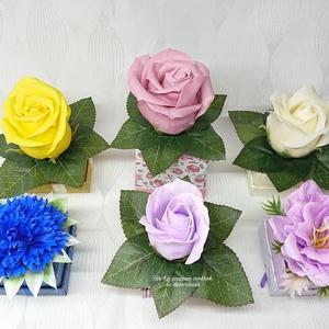 1 darabos szappanvirágok mini dobozban , Otthon & Lakás, Dekoráció, Csokor & Virágdísz, Virágkötés, Szappankészítés, Elegáns szappanvirág dekorációk melyek sokáig megtartják szépségüket és illatukat.\n\nMagasságuk 8-9 c..., Meska
