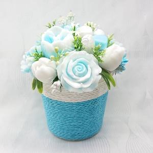 Kék - fehér illatos szappan csokor köteles kaspóban , Otthon & Lakás, Dekoráció, Csokor & Virágdísz, Virágkötés, Szappankészítés, Fekete szeder illatú. \nMindegyik csokor egyedi tervezésű és kézzel készített.\nElegáns szappanvirág d..., Meska