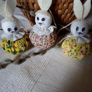Húsvéti textil nyuszika, Otthon & Lakás, Dekoráció, Asztaldísz, Varrás, Ezek a textilből készült nyuszikák, díszíthetik a húsvéti asztalt, barkaágon, vagy ki kosárban, vagy..., Meska