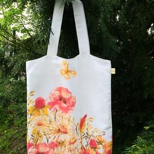 mezei virágos-pillangós bevásárlótáska, Táska & Tok, Bevásárlás & Shopper táska, Shopper, textiltáska, szatyor, Varrás, Bézs alapon virágmintás vastagvászon bevásárlótáska. Fehér pamutvászon béléssel, praktikus belső zse..., Meska