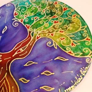 Megújulás selyem ablakkép, Otthon, lakberendezés, Dekoráció, Képzőművészet, Falikép, Selyemfestés, Varrás, 100% hernyóselyem abakkép  átmérő: 25 cm  A megújulás fája - A változás fája  A szeretet a szíved m..., Meska