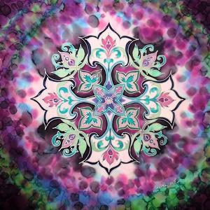 Arabeszk mandala hernyóselyem kép, Otthon & lakás, Dekoráció, Lakberendezés, Falikép, Kép, Képzőművészet, Selyemfestés, Ez az arabeszk motívumokkal készült mandala 100 % hernyóselyemre készült. Habkartonra van feszítve.\n..., Meska