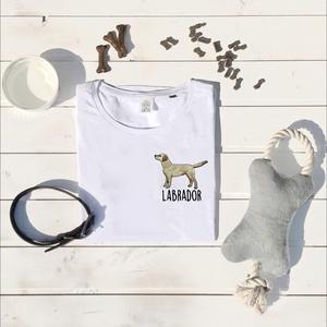 Labrador hímzett póló, Textil, Pamut, Grafika, fotó, Hímzés, Kedves Nézelődő!\n\nRendelésre készitett, álltalunk tervezett Labrador Retrieveres mintás póló melyet ..., Meska