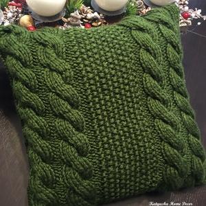 Kötött párnahuzat - Smaragd csavart, Karácsony, Karácsonyi dekoráció, Otthon & lakás, Lakberendezés, Lakástextil, Párna, Kötés, Varrás, Ünnepi hangulatot idéz mind színében, mind mintájában ez a csodás kötött párna. Lepd meg vele szeret..., Meska
