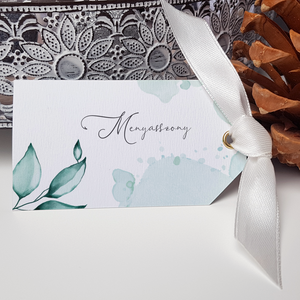 Esküvői ültetőkártya, Esküvő, Esküvői dekoráció, Meghívó, ültetőkártya, köszönőajándék, Fotó, grafika, rajz, illusztráció, Papírművészet, Szép, letisztult ültetőkártya.\n\nMérete 9x5 cm, kreatív kartonra nyomtatva.\n\nRendelhettek hasonló men..., Meska