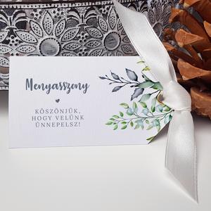 Esküvői ültetőkártya, Esküvő, Esküvői dekoráció, Meghívó, ültetőkártya, köszönőajándék, Fotó, grafika, rajz, illusztráció, Papírművészet, Szép, letisztult ültetőkártya, \n\nMérete 9x5 cm, kreatív kartonra nyomtatva. Arany/ezüst színű ringli..., Meska