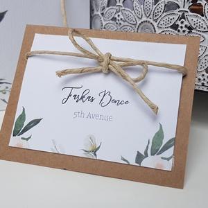 Esküvői ültetőkártya, Esküvő, Esküvői dekoráció, Meghívó, ültetőkártya, köszönőajándék, Fotó, grafika, rajz, illusztráció, Papírművészet, A kártya mérete 75x60 mm.\n\nRendelhettek hasonló menü- vagy sütikártyát, akár ülésrend is készülhet.\n..., Meska
