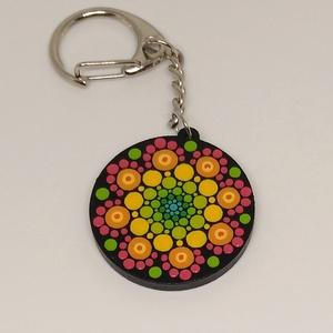 Neon mandala kulcstartó, Egyéb, Kulcstartó, táskadísz, Táska, Divat & Szépség, Ékszer, Festett tárgyak, Kézzel festett, egyedi mandalás kulcstartó.\nAlapja fa, így könnyű és tartós.\nÁtmérője 3,4X3,4 cm, a ..., Meska