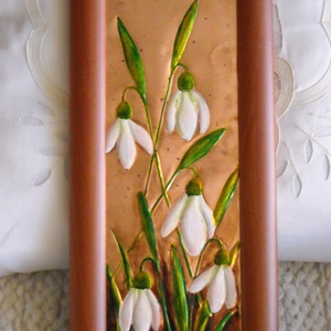 Hóvirágos tavasz, Kép & Falikép, Dekoráció, Otthon & Lakás, Fémmegmunkálás, A kép, rézlemezre készült, domborítással és festéssel. A rézlemez hátuljáról előrefelé domborítom a ..., Meska