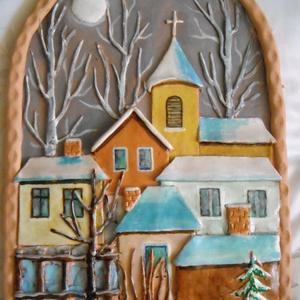 Téli falurészlet, Otthon & lakás, Dekoráció, Kép, Kerámia, Kerámia domborművön egy téli falurészletet mintáztam meg. A falu legmagasabb részén áll a kis templo..., Meska