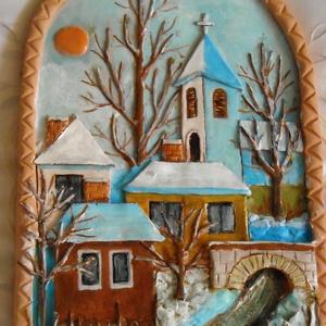 Napsütötte tél, Otthon & lakás, Dekoráció, Kép, Lakberendezés, Falikép, Kerámia, Festett tárgyak, Egy 29 x 19,5 cm-es álló téglalap alakú, felül ívelt domborművön a napos, téli tájat mintáztam meg. ..., Meska