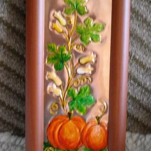 Évszakok, ősz, rézdombormű, Otthon & Lakás, Dekoráció, Kép & Falikép, Fémmegmunkálás, Festett tárgyak, 29 x 14 cm-es, barna képkeretbe az őszt mintáztam meg, érett tökök, és színes töklevelek, virágok se..., Meska
