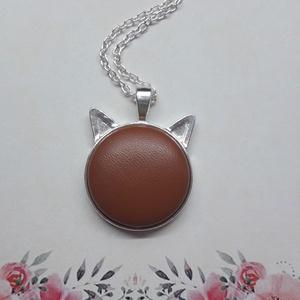 My chocolate cat -  barna bőrgombos cicafüles nyaklánc, Ékszer, Nyaklánc, Medálos nyaklánc, Ékszerkészítés, Meska