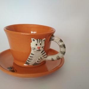 Cicás kávéscsésze, cicás csésze, mokkás csésze alátéttel, Konyhafelszerelés, Otthon & lakás, Bögre, csésze, Kerámia, Korongolt kávés csészike, kézzel formázott cicás rátéttel. Hozzá illő cicatappancs-mintás alátéttel ..., Meska