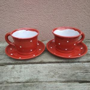 Páros kávés szett, pöttyös kávéskészlet két személyre, Otthon & lakás, Konyhafelszerelés, Bögre, csésze, Lakberendezés, Szerelmeseknek, Ünnepi dekoráció, Dekoráció, Piros-fehér pöttyös kávés csészék alátét tányérkával. Korongolt, károsanyag-mentes mázzal mázazott, ..., Meska