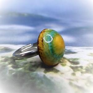 SÁRKÁNYSZEM - kerámia gyűrű, Ékszer, Gyűrű, Kerek gyűrű, Kerámia, Ékszerkészítés, Saját kezűleg készített kerámia gyűrű, különleges mesebeli sárkányszemet idéző mintázattal. \nA zöld ..., Meska