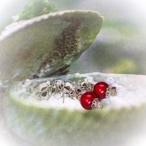 Egyszerű piros TeklArt fülbevaló , Ékszer, Fülbevaló, Lógó fülbevaló, Ékszerkészítés, Gyöngyfűzés, gyöngyhímzés, Meska