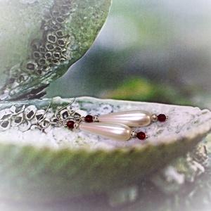 Piros-fehér csepp alakú teklagyöngyös fülbevaló - esküvői ékszer, menyecskeékszer, menyasszonyi ékszer  - Meska.hu