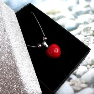 Csábító piros - nemesacél nyaklánc kis szív alakú medállal elegáns díszdobozban Ajándék nőknek lányoknak - Meska.hu