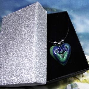 Nyaklánc szív alakú kék-zöld kerámia medállal elegáns díszdobozban Ajándék Névnap Születésnap - Meska.hu