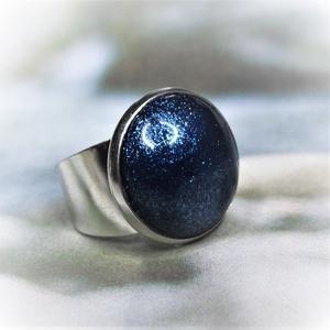 """UNIKORNIS csillogó kék kerámia gyűrű - Ajándék lányoknak nőknek névnapra születésnapra, Ékszer, Gyűrű, Szoliter gyűrű, """"Unikornis kollekció"""" része ez a elegáns gyűrű. A kerámiadísz csillámló különleges kék árnyalata tes..., Meska"""