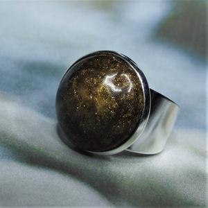 """UNIKORNIS csillogó aranybarna kerámia gyűrű - Ajándék lányoknak nőknek névnapra születésnapra, Ékszer, Gyűrű, Szoliter gyűrű, """"Unikornis kollekció"""" része ez a elegáns gyűrű. A fényes sárgásbarna kerámiadíszt a csillámló aranyl..., Meska"""