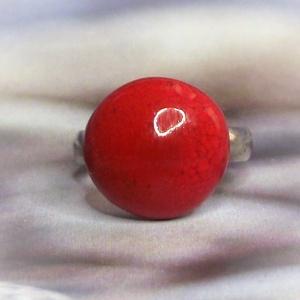 Piros kerámia gyűrű kislányoknak Gyermeknapra - Gyermek ékszer - Gyermekgyűrű , Ékszer, Gyűrű, Szoliter gyűrű, Kerámia, Ékszerkészítés, Minden kislány örül, ha a felnőttekéhez hasonló gyűrűt hordhat! \nGyermeknapra, névnapra, születésnap..., Meska
