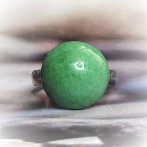 Pasztell zöld kerámia gyűrű kislányoknak Gyermeknapra - Gyermek ékszer - Gyermekgyűrű , Ékszer, Gyűrű, Szoliter gyűrű, Kerámia, Ékszerkészítés, Minden kislány örül, ha a felnőttekéhez hasonló gyűrűt hordhat! \nGyermeknapra, névnapra, születésnap..., Meska