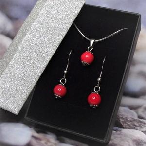 Piros kerámiagyöngyös nemesacél, orvosi fém nyaklánc és fülbevaló szett ajándék díszdobozban - ékszer - ékszerszett - Meska.hu