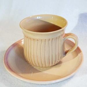 Bordás kávés csésze alátéttel - púder rózsaszín, Otthon & Lakás, Konyhafelszerelés, Bögre & Csésze, Kerámia, Korán reggel, még álmosan az ágyban vagy már a teraszon üldögélve, esetleg  délután, a jóleső ebédet..., Meska