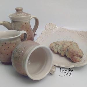 Kávés duo szett , Konyhafelszerelés, Otthon & lakás, Bögre, csésze, Kancsó , Kerámia, Reggeli kávé kettesben sütikkel.\nKávés bögre párban kiöntővel és egy sütis tálkával. A korongolt bög..., Meska