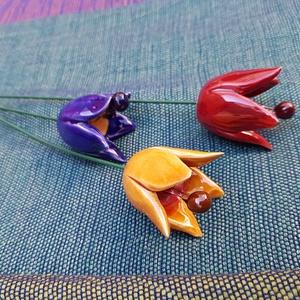 3 db tulipán, Csokor & Virágdísz, Dekoráció, Otthon & Lakás, Kerámia, A tavasz egyik legkorábbi gyöngyszeme a tulipán virága. Amikor is a hideg, szürke téli napok után má..., Meska