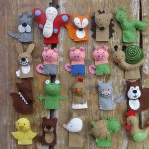 20 db állatos ujjbáb (malac, nyuszi,farkas, róka,csiga,mókus, maci,csirke,kakas,tyúk,kutya,macska,teknős,mókus..), Játék, Gyerek & játék, Báb, Készségfejlesztő játék, Plüssállat, rongyjáték, Varrás, Megrendelésre készítettem ezt a 20db-os filc állatos ujjbáb készletet, de ha Neked is tetszik, szíve..., Meska