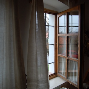 Len függöny (száda), Otthon & lakás, Lakberendezés, Lakástextil, Függöny, Szövés, Varrás, Vékony lenvászon fényáteresztő függöny (ún. száda).\n\nParasztszövőszéken, hagyományos technikával min..., Meska