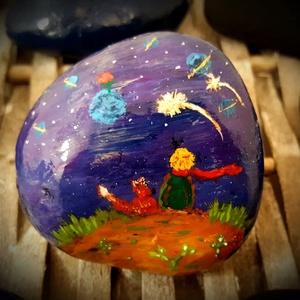 Kézzel festett Kis herceges ajándék kavics-kő, Otthon & Lakás, Dekoráció, Kavics & Kő, Festészet, Köszönöm, hogy betértél hozzám-hozzánk:-)\nA kavicsok, kövek szeretete kiskorom óta elkísért engem az..., Meska