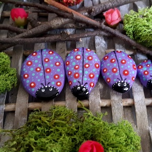 Kreatív játék- kerti-cserepes virág dekoráció Pöttyös Bogár család játszó kavics szett 4 fős , Otthon & Lakás, Dekoráció, Kavics & Kő, Festészet, Köszönöm, hogy betértél hozzám-hozzánk:-)\nA kavicsok, kövek szeretete kiskorom óta elkísért engem az..., Meska