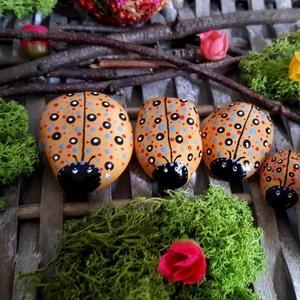 Kreatív játék- kerti-cserepes virág dekoráció Pöttyös Bogár család játszó kavics szett 4 fős, Otthon & Lakás, Dekoráció, Kavics & Kő, Festészet, Köszönöm, hogy betértél hozzám-hozzánk:-)\nA kavicsok, kövek szeretete kiskorom óta elkísért engem az..., Meska