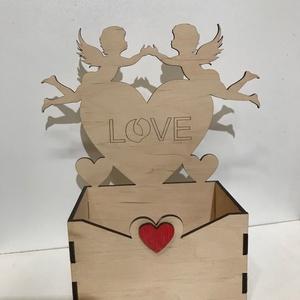 Angyalkás doboz, Otthon & lakás, Dekoráció, Ünnepi dekoráció, Szerelmeseknek, Anyák napja, Lakberendezés, Asztaldísz, Famegmunkálás, A termék 3mm nyír rétegelt lemezből készül.A legszélesebb illetve a legmagasabb pontja 18x20 cm.Natú..., Meska