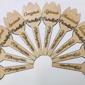 Tulipán alakú névre szóló ajándék, Nászajándék, Emlék & Ajándék, Esküvő, Famegmunkálás, Remek ajándék óvodai,iskolai ünnepekre,nőnapra,anyák napjára,de megfelelő szöveggel rágravírozva pom..., Meska