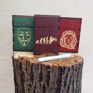 Cigaretta tartó, Cigarettatárca, Pénztárca & Más tok, Táska & Tok, Famegmunkálás, Egyedi elképzelés alapján készült cigaretta tartó.\n18 szál cigaretta tárolására alkalmas.\nOldalán be..., Meska