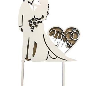Mr és Mrs tortadísz, Esküvő, Dekoráció, Sütidísz, Famegmunkálás, Mr és Mrs beszúrós esküvői tortadísz.\nSzíne:Fehér\nBármilyen színben rendelhető.\nMérete:20 cm\nRendelh..., Meska