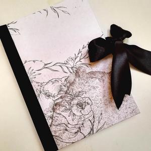 Alvó rókás - egyedi napló, Otthon & Lakás, Papír írószer, Jegyzetfüzet & Napló, Könyvkötés, A napló kézi kötéssel készült, papír borítással,fekete szatén masnival.  A belső lapok 80gr- os fehé..., Meska