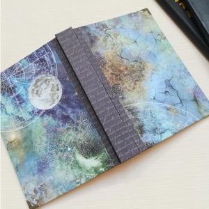 Holdvilág- egyedi napló, Otthon & Lakás, Papír írószer, Jegyzetfüzet & Napló, Könyvkötés, A napló kézi kötésű, egyedi darab. Egy  példány készült belőle.Papír borítású ezüst könyvsarkokkal, ..., Meska