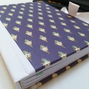 Keleti mintás egyedi napló, Otthon & Lakás, Papír írószer, Jegyzetfüzet & Napló, Könyvkötés, A napló kézi kötésssel készült, egyedi példány. Borítója papír, melyen arannyal nyomott keleties min..., Meska
