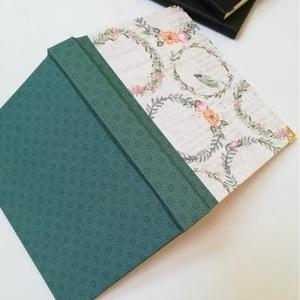 Koszorúk egyedi napló, Otthon & Lakás, Papír írószer, Jegyzetfüzet & Napló, Könyvkötés, A napló kézi kötésssel készült, egyedi példány. Borítója papír, melyen romantikus hangulatú minta lá..., Meska