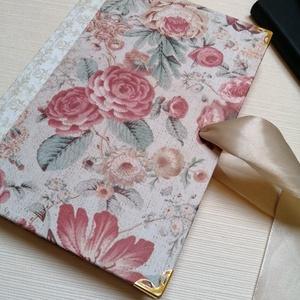 Barokk Rózsa- egyedi napló, Otthon & Lakás, Papír írószer, Jegyzetfüzet & Napló, Könyvkötés, A napló kézi kötésssel készült, egyedi példány. Borítója papír, mely barokkos hangulatú rózsákkal és..., Meska