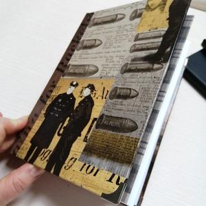 Cops And Bullets- gengszternapló férfiaknak, Otthon & Lakás, Papír írószer, Jegyzetfüzet & Napló, Könyvkötés, A napló kézi kötéssel dekopázs technikával készült. A belső lapok 80gr- os fehérek, üresek, ezzel re..., Meska